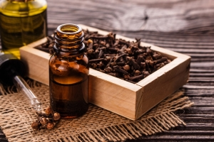 Essential Clove Oil Benefits